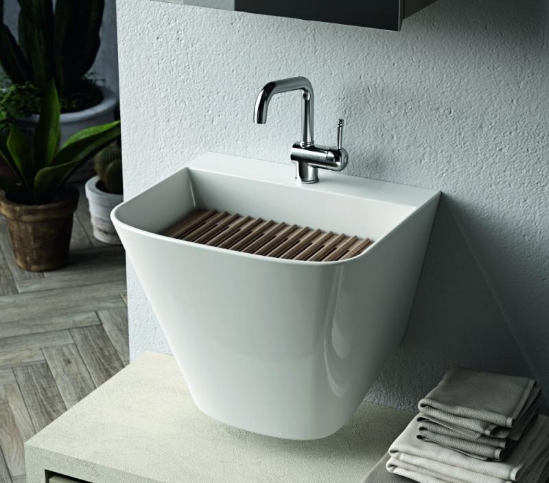 Particolare lavabo in lavanderia