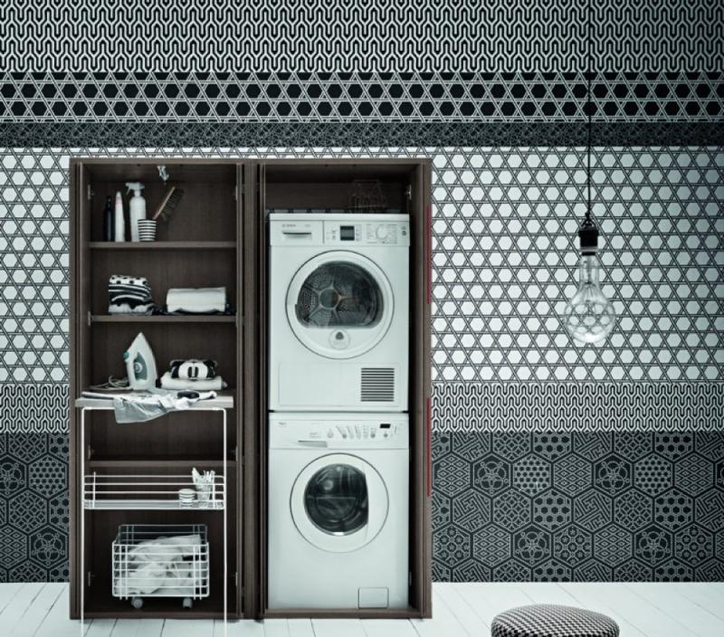 Mobile scuro per lavanderia