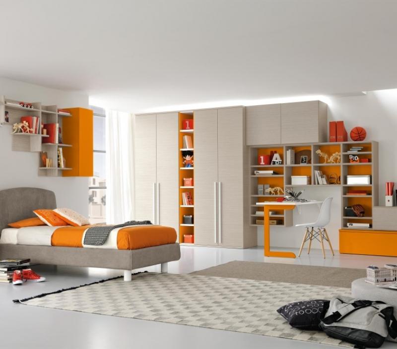 Armadio arancione e grigio per la cameretta dei bambini