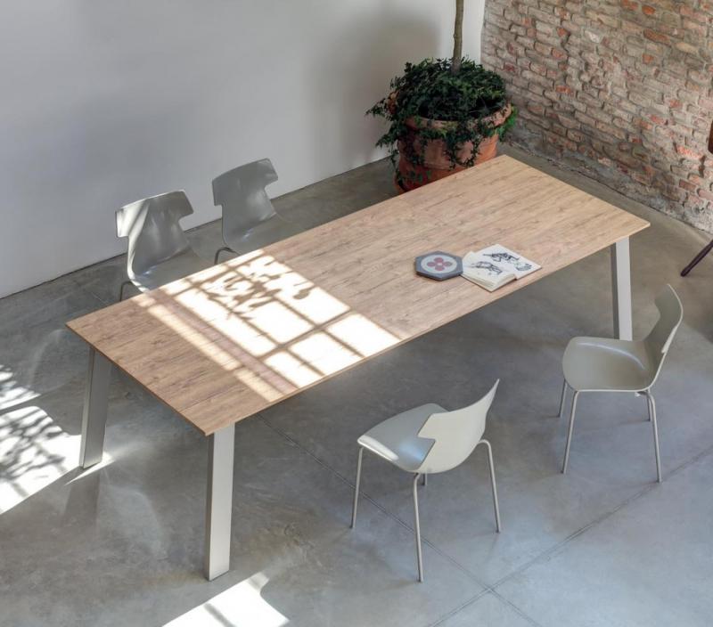 tavolo-ingenia-brianza