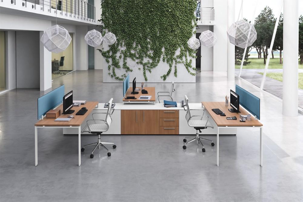 Scrivania moderna per ufficio